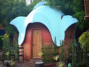 Beach Bubbles - Auroville Beach Resort