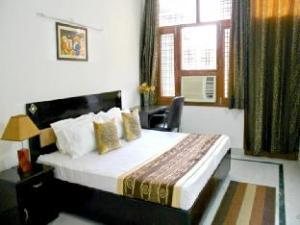 DLF Galleria Service Apartments Gurgaon