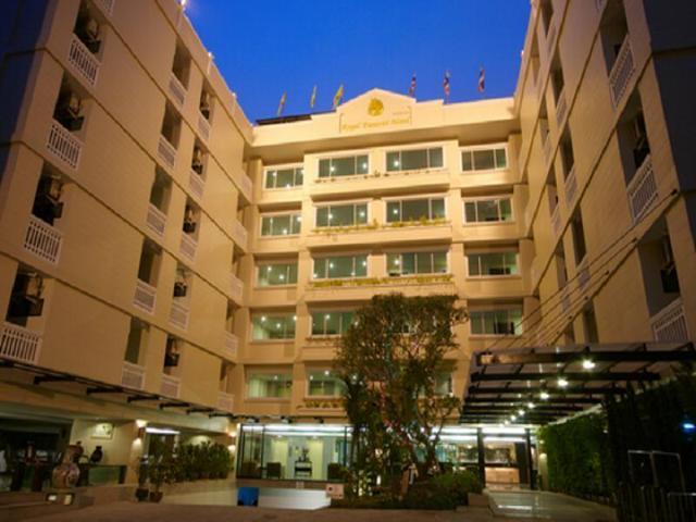 โรงแรมรอยัล พรรณราย เชียงใหม่ – Royal Panerai Hotel Chiangmai