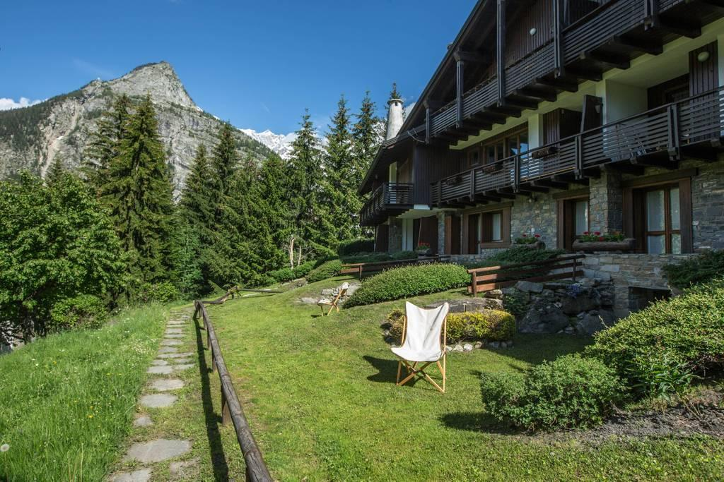 Hintown Charming Style Flat Courmayeur PlanGorret