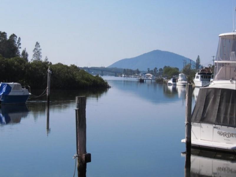 Boathouse Resort Waterfront