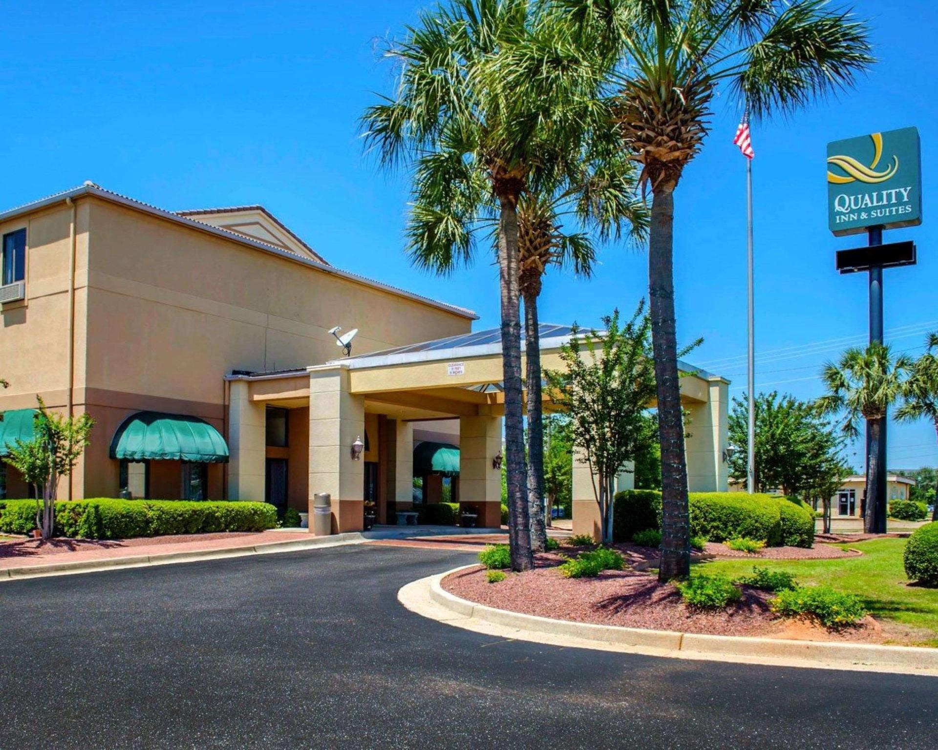 Quality Inn And Suites At Airport Blvd I 65