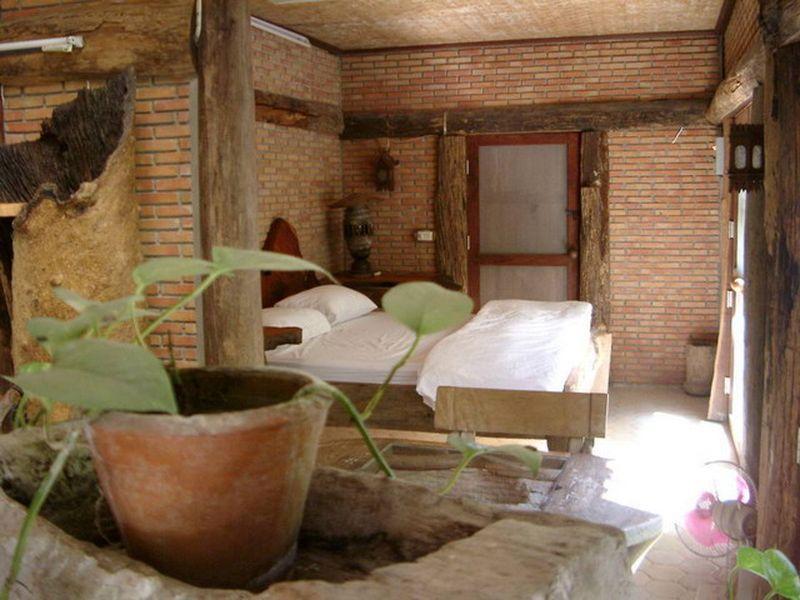 Mom Chailai Kanchanaburi Forest Retreat Hotel โรงแรมหม่อมไฉไล กาญจนบุรี ฟอเรสต์ รีทรีท
