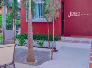 Jiraporn Resort and Diving