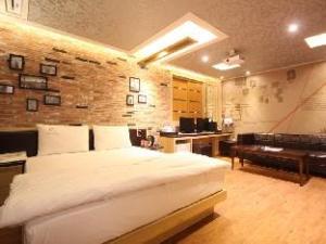 Gumi Anytel Motel