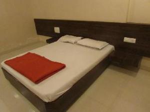 Hotel Sai Tirth