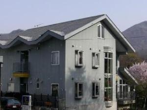 普塔罗旅馆 (Pension Puutaro)