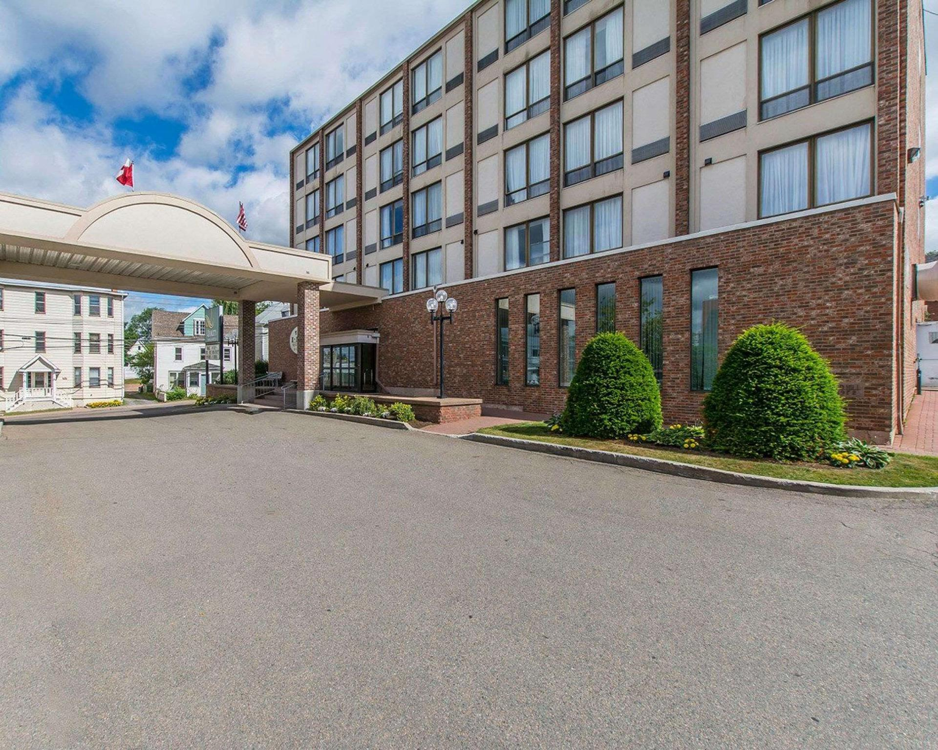 Quality Inn And Suites Downtown