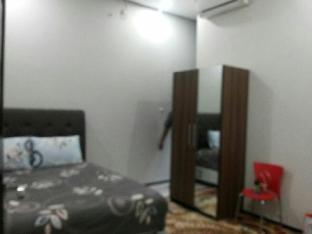Omah Gedongan House