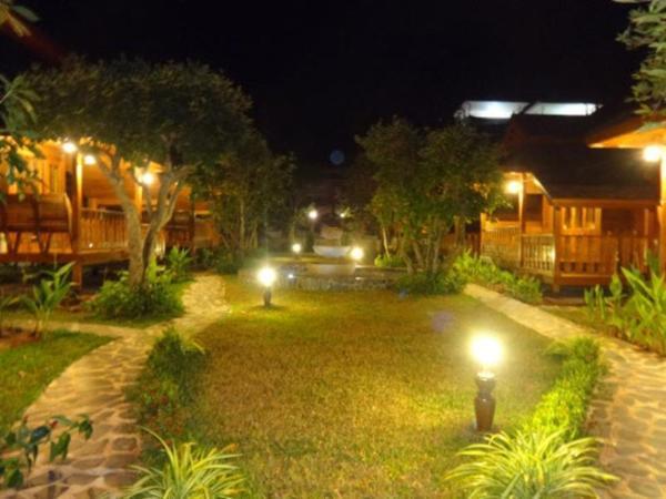 Two Season Khanom Resort Khanom