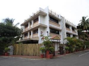 萨亚德里酒店 (Hotel Sahyadri)