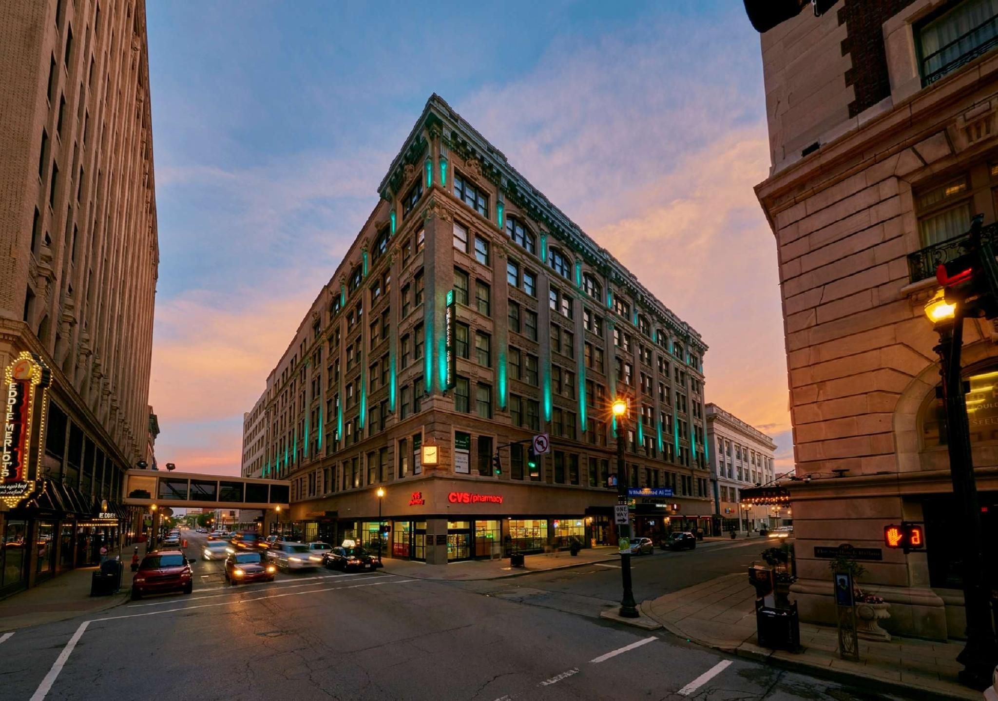 Embassy Suites Louisville Downtown