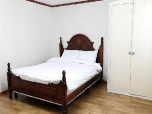 Blackgold 3 Apartment
