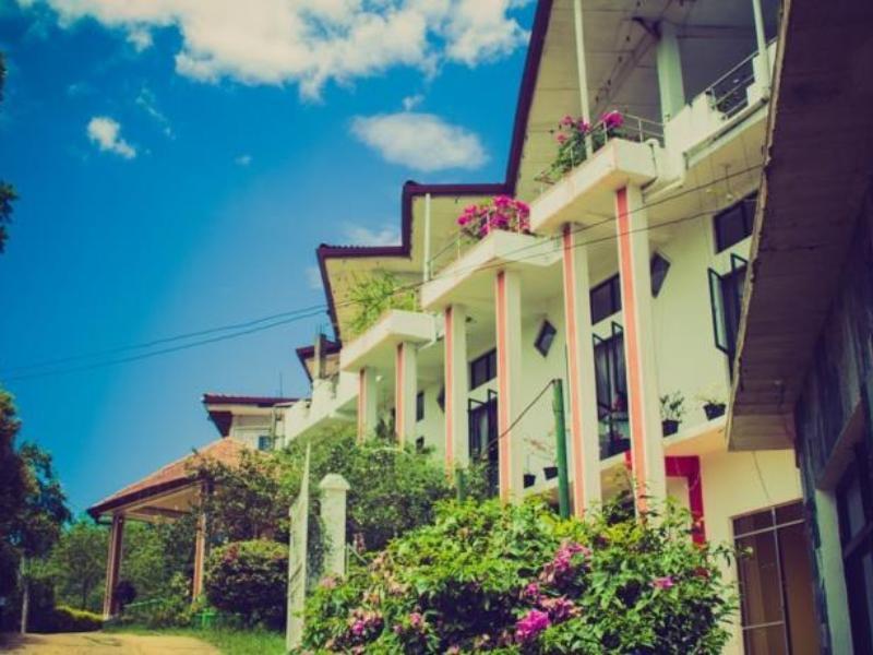 Hotel Uva Rest Sanasta