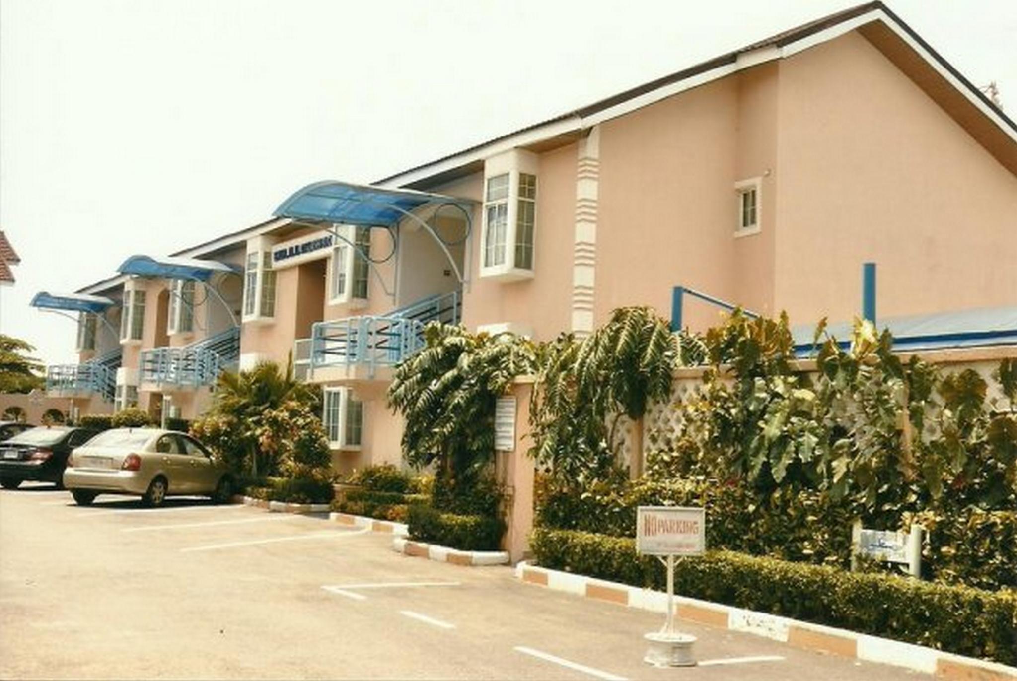 Madugu Hotel And Luxury Apartments