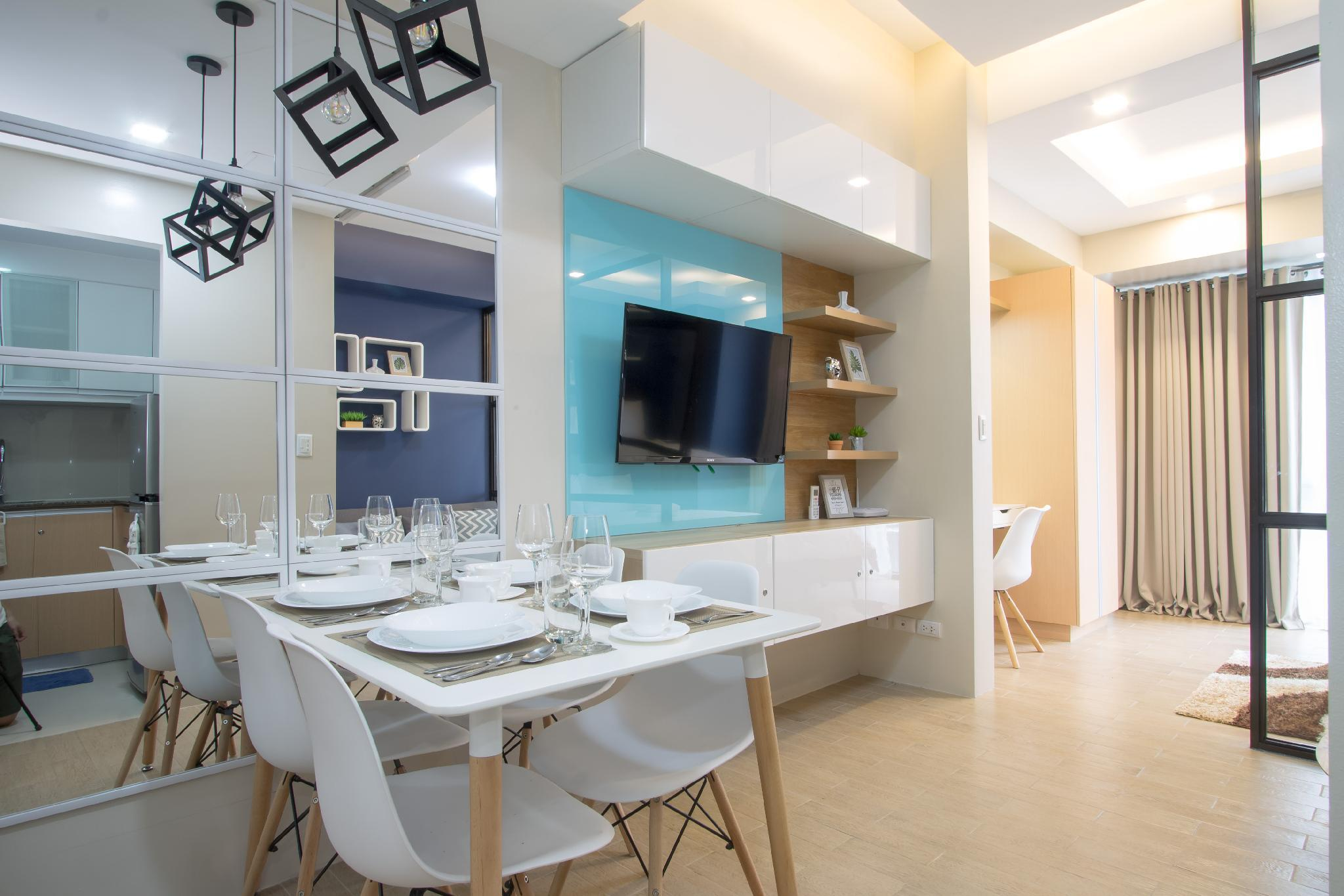 Chic And Modern Apartment Across Terminal 3 Airport
