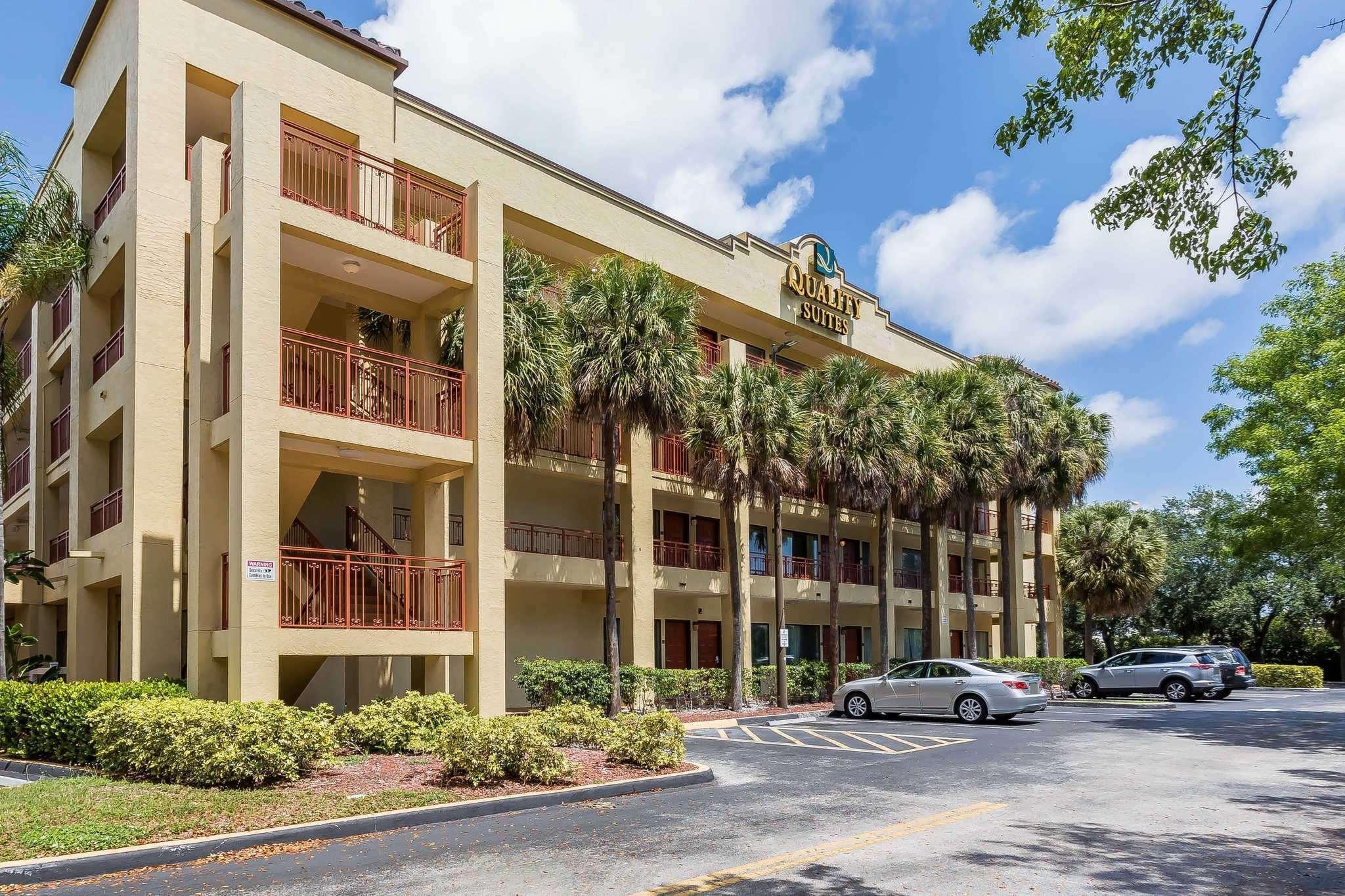 Quality Suites Hotel Deerfield Beach