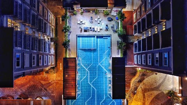 โรงแรมเดอะ คอนทรัสต์ ไอ – The Contrast i Hotel