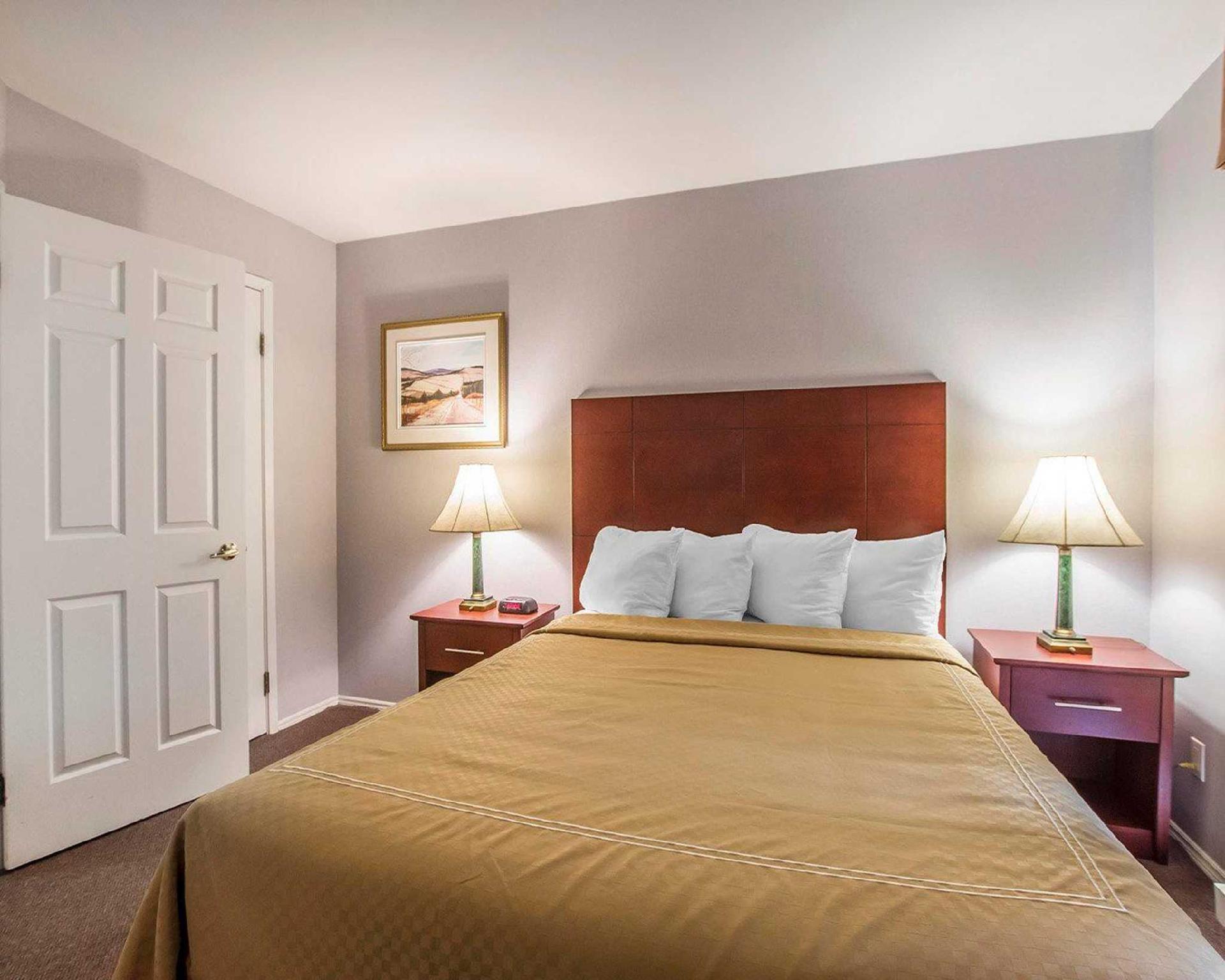 Quality Suites Ste Anne De Beaupre