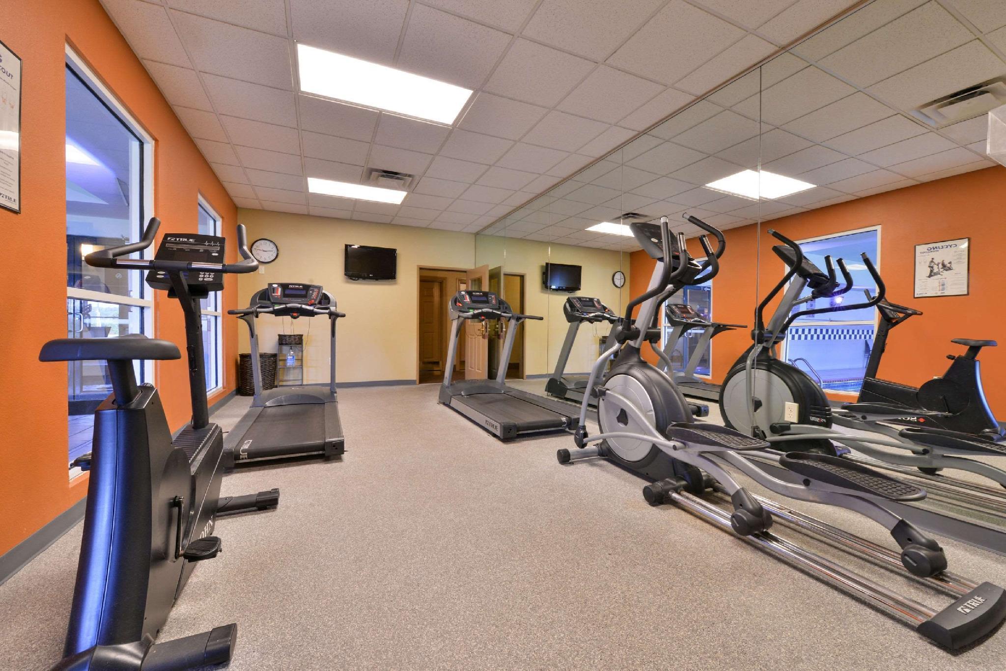 Comfort Inn & Suites Fayetteville Discount