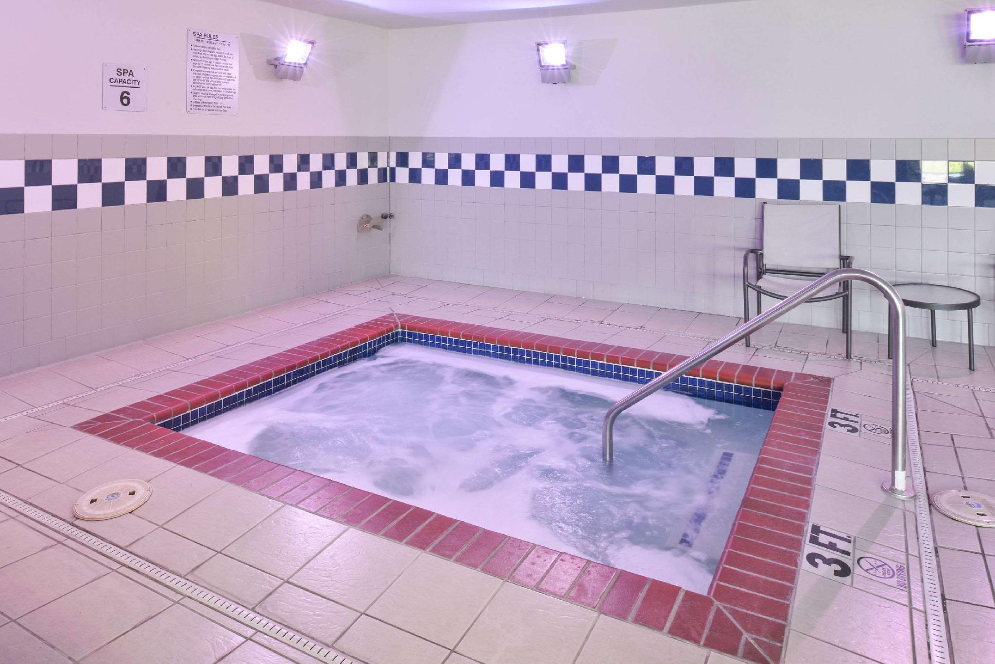 Price Comfort Inn & Suites Fayetteville
