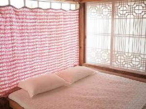 Chaewoon Hanok Guesthouse