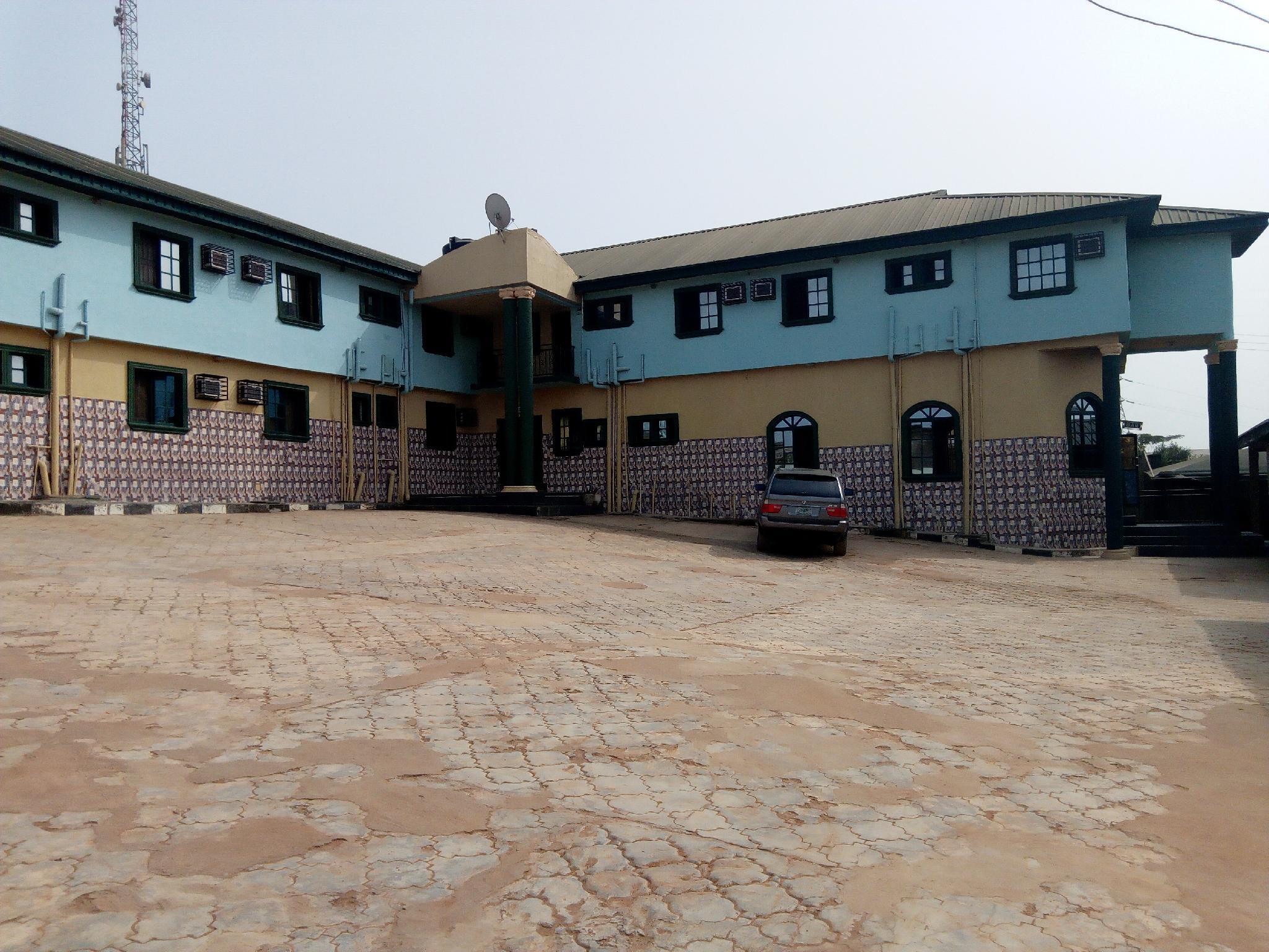 Adebayowa Hotel
