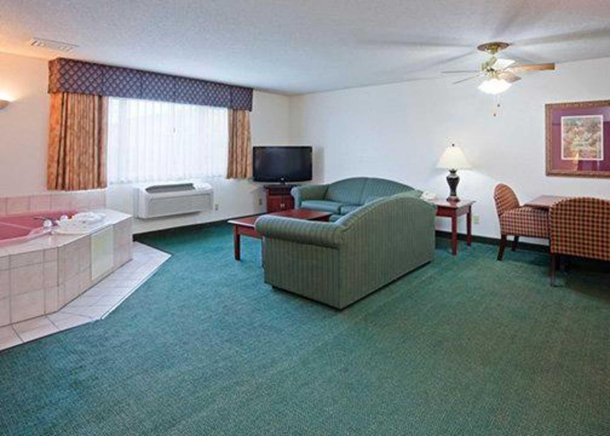 Review Quality Inn and Suites Eagan