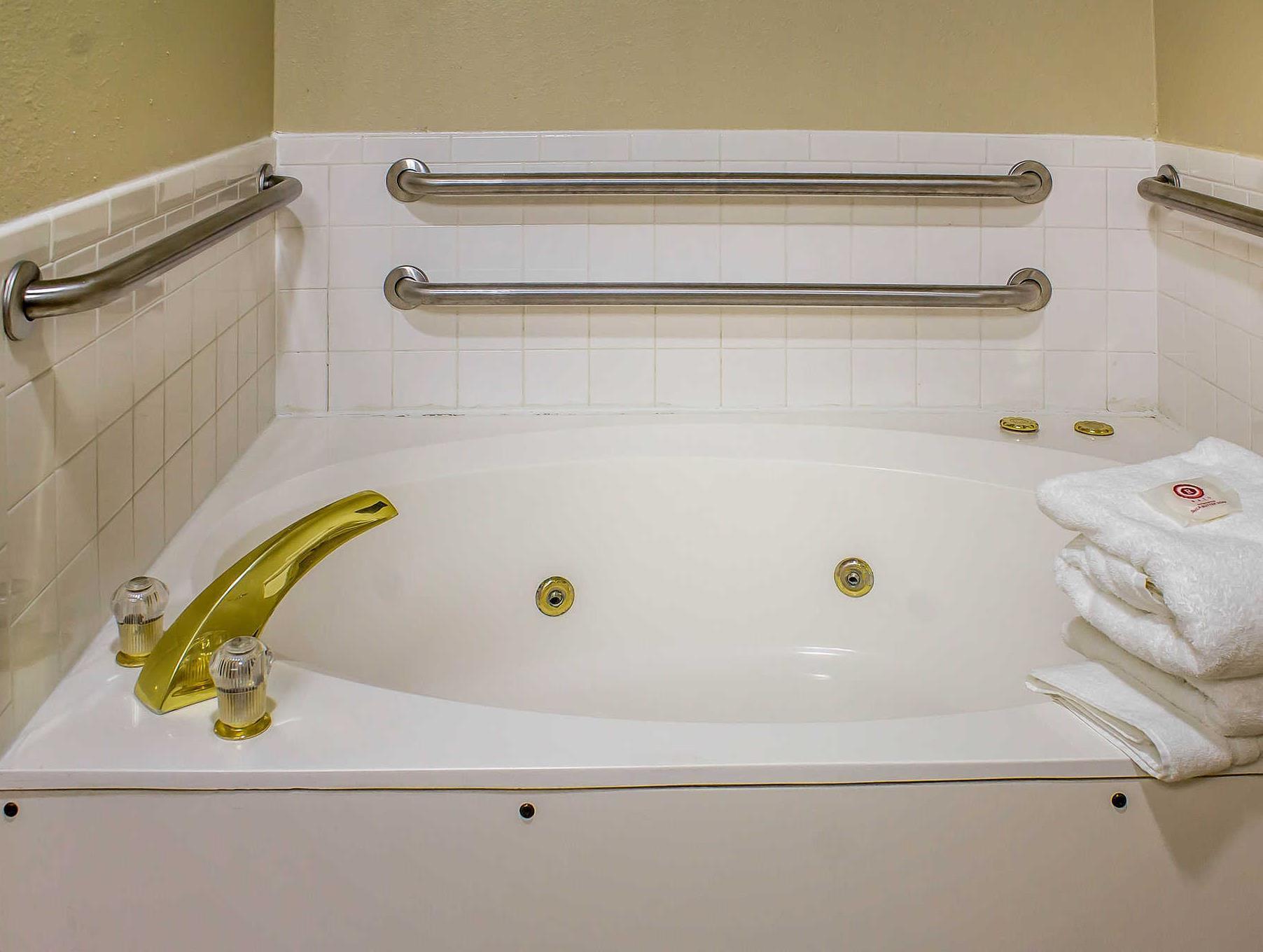 Comfort Inn & Suites Discount