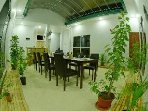 關於馬富施島皇家珍珠旅館 (Royal Pearl Inn at Maafushi)