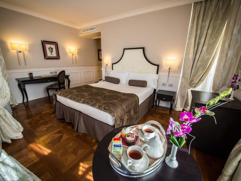 Review Victoria Hotel Letterario Trieste