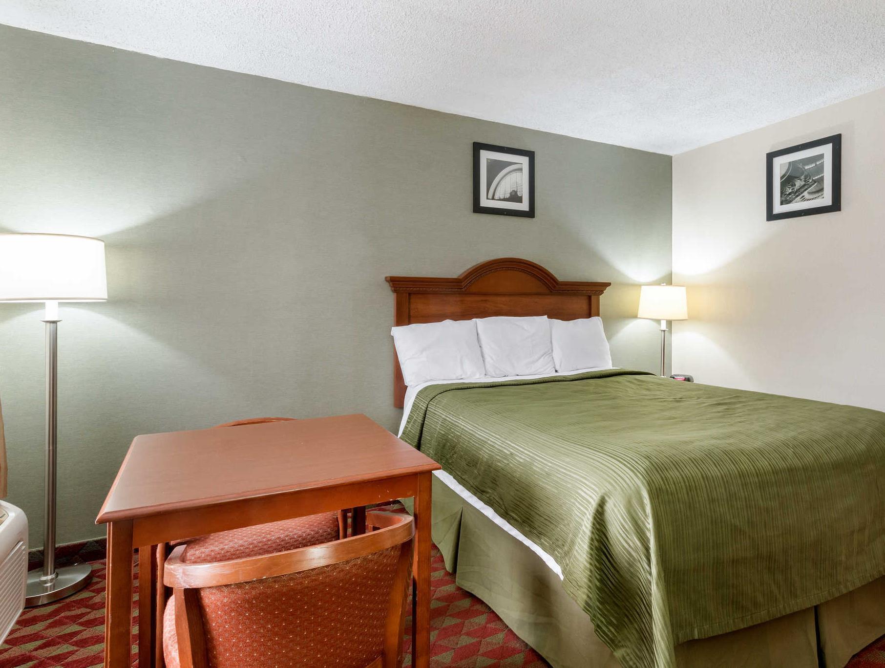 Price Econo Lodge Huntington