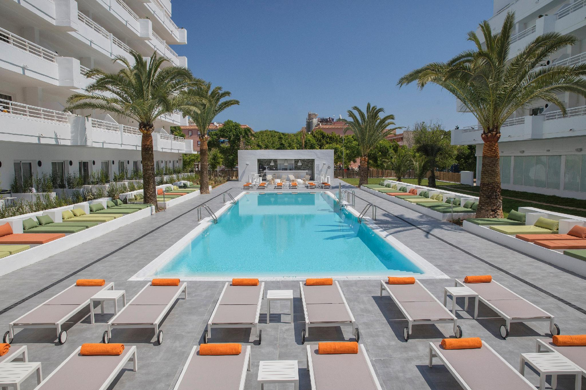 HM Martinique Hotel