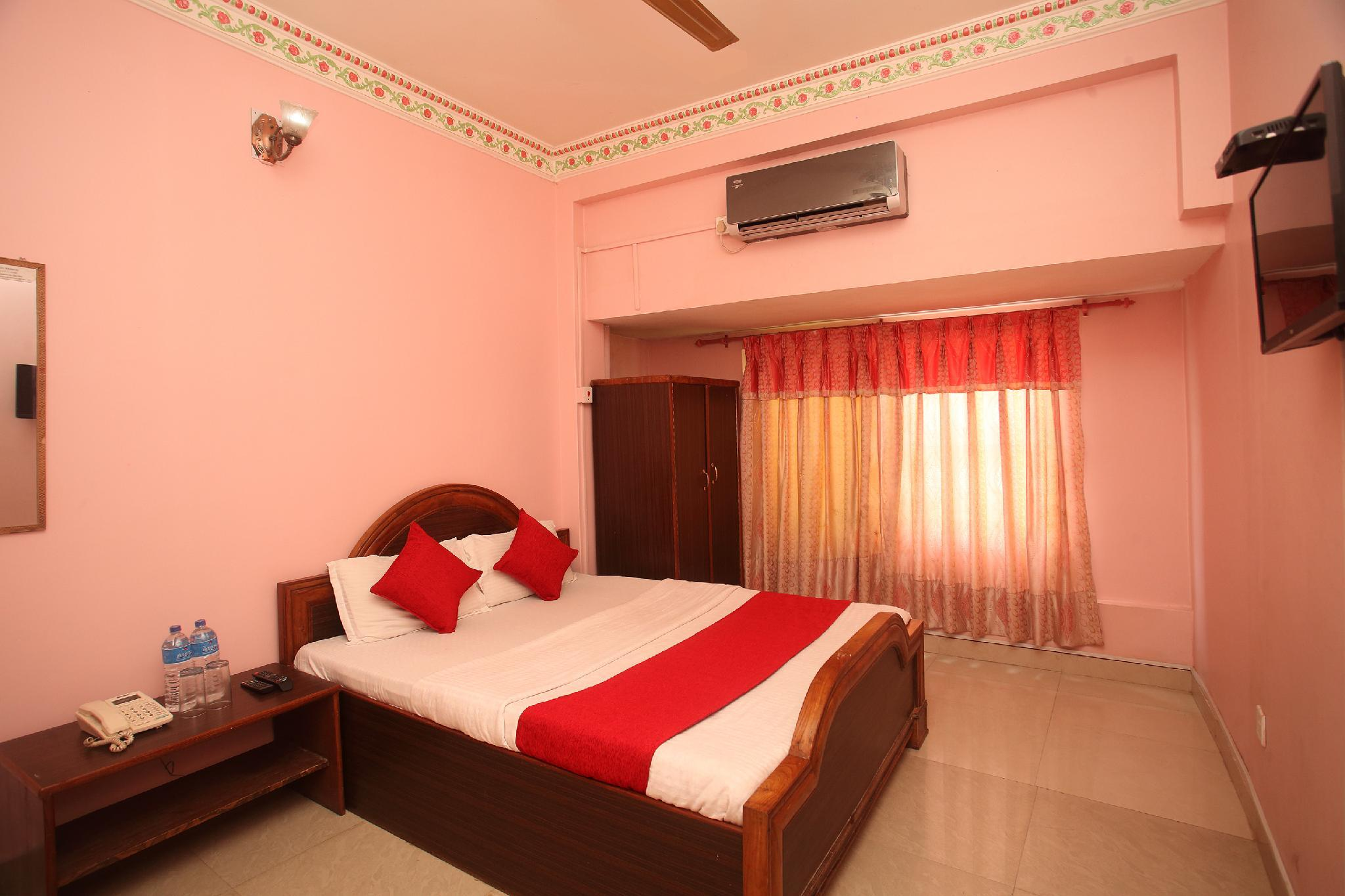 OYO 366 Hotel Anmol