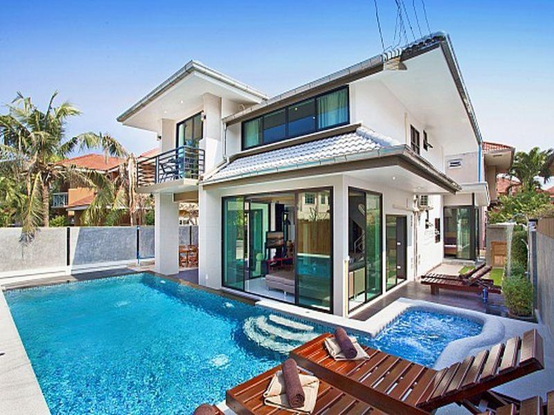 villa grande asian personals After years of on-again-off-again dating, justin bieber and hailey baldwin rekindled their romance and brought their love to miami, new york, and the bahamas  the first asian-american face of .