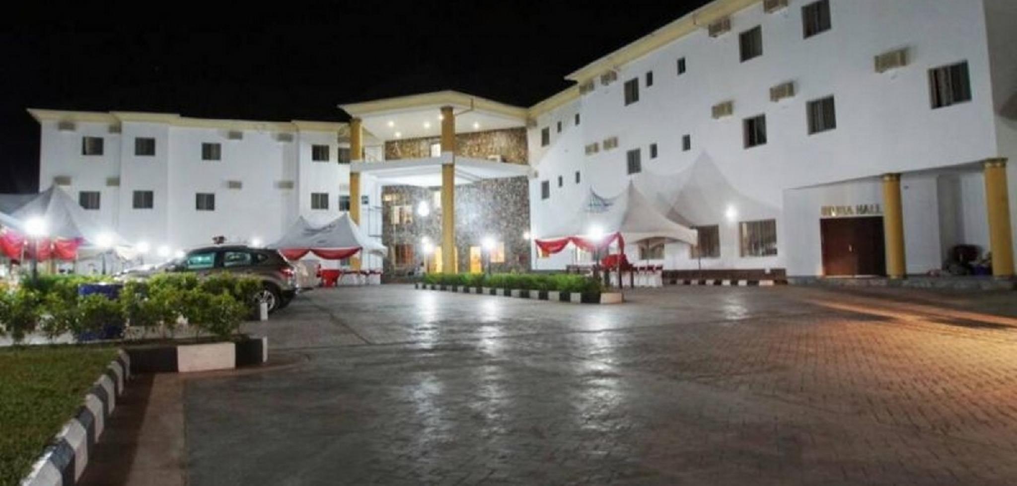 Ebiis Hotel
