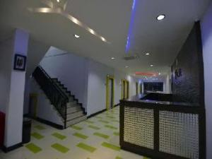 T-One Hotel