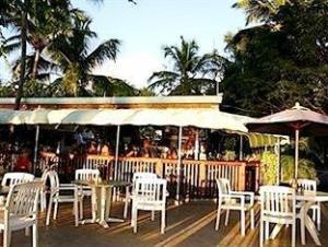 ซีเคร็ดฮาเบอร์บีชรีสอร์ท (Secret Harbour Beach Resort)