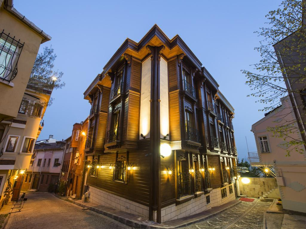 Istanbul turkey express tour for 7 nights including hotels in turkey europe for Grand naki hotel