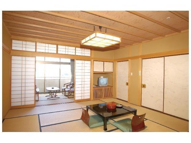 Yukai Resort: Awazu Grand Hotel