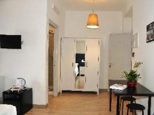 Check Inn Rooms BB