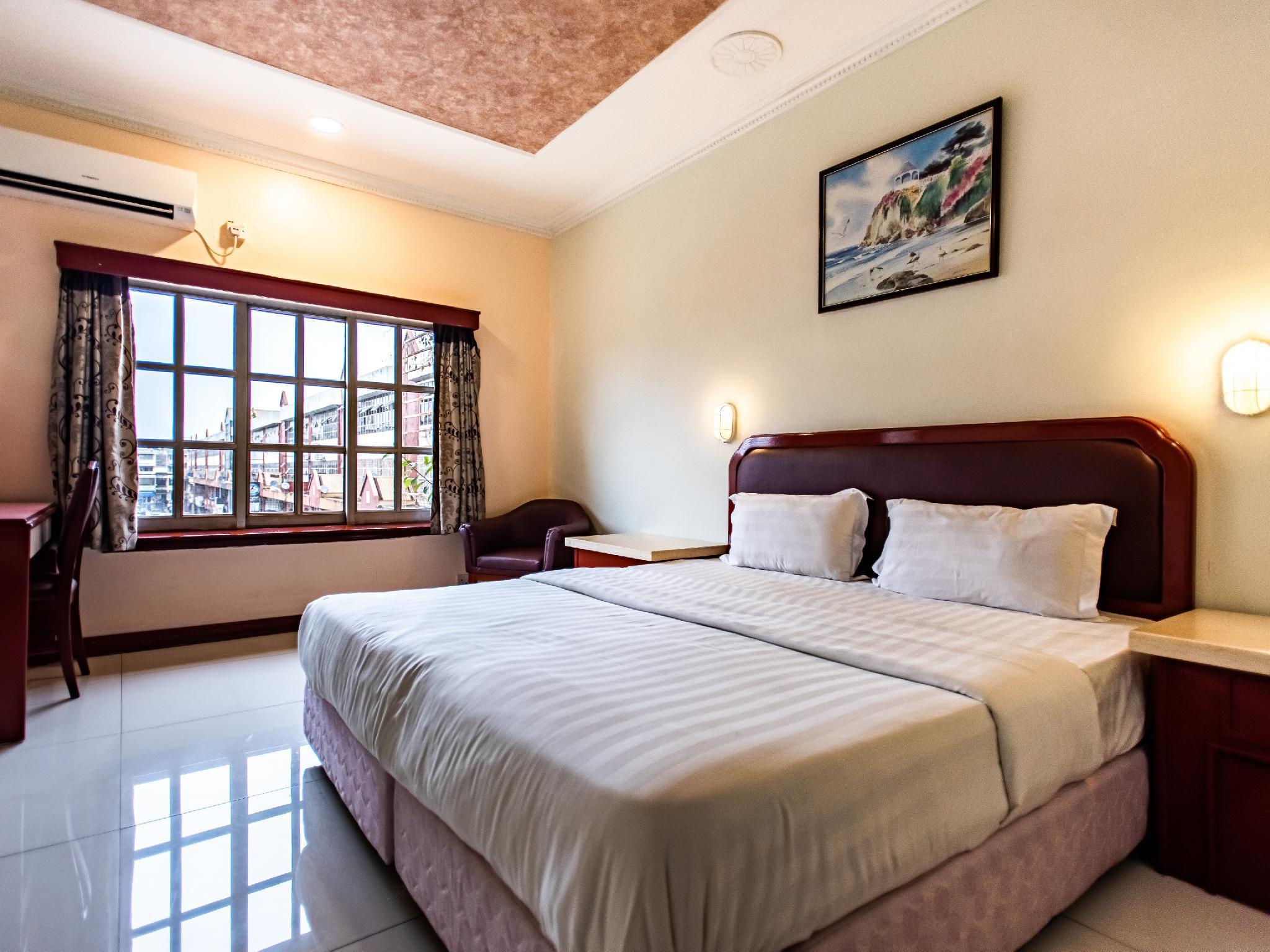 OYO 89735 The Dream Hotel