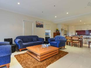 3 Bedroom Townhouse Boutique Accommodation Melbourne Victoria Australia