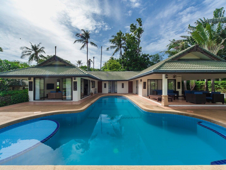 5 BR Grand Deluxe Beach Villa steps to beach วิลลา 5 ห้องนอน 5 ห้องน้ำส่วนตัว ขนาด 250 ตร.ม. – เชิงมน