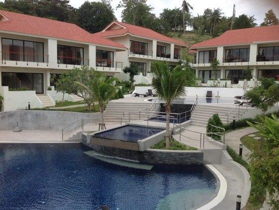 6 Bedroomed Triple Townhouses Near ChoengMon Beach