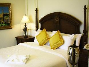 Four Seasons Place Hotel โรงแรม โฟร์ ซีซั่นส์ เพลส