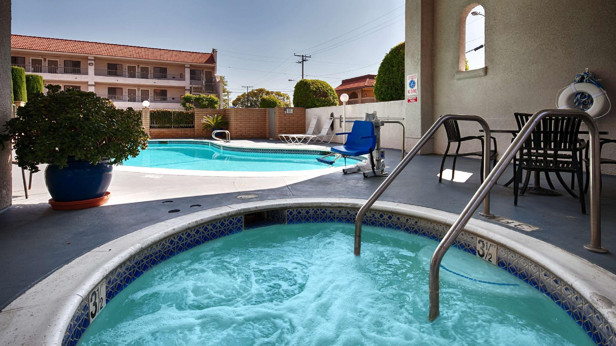 Best Western Pasadena Royale Inn And Suites