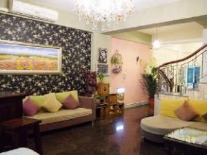 O hotelu Elegance Guest House (Ya Ya House)