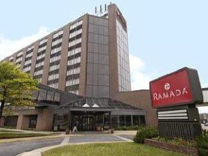 Ramada Inn Waterloo Hotel