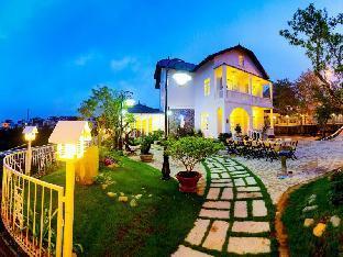 Calla Lily Villa Hotel